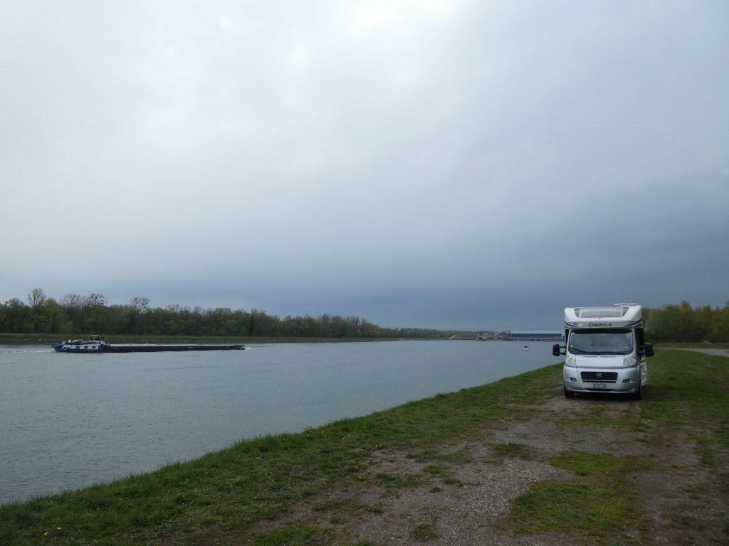 Parkplatz am Rhein bei Diebolsheim